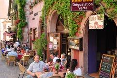 Франция, живописная деревня Riquewihr в Эльзасе Стоковая Фотография