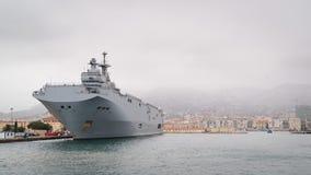 Французская несущая вертолета класса мистраля военно-морского флота стоковые фотографии rf