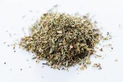 Французская смесь herbes на белой предпосылке o стоковая фотография rf