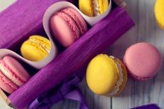 Французская традиция - красочные macaroons Стоковая Фотография RF
