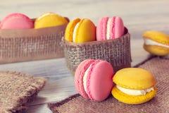 Французская традиция - красочные macaroons Стоковое Изображение RF