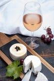 Французские мягкие сыры, разнообразие различного natura молока козы вкуса стоковое фото rf