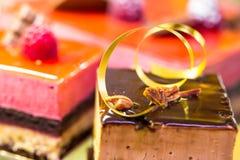 Французские печенья дальше показывают магазин кондитерскаи в Франции стоковое изображение