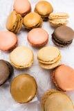 Французские печенья macaroons на белой предпосылке Стоковая Фотография RF