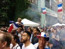 Французские поклонники футбола в Нью-Йорке, выпускных экзаменах кубка мира Стоковые Изображения RF
