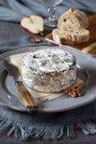Французские сыр и груша молока коровы Стоковые Фотографии RF