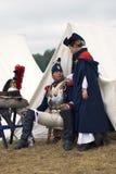 Французские человек и женщина солдата армии на Бородино сражают исторический reenactment в России Стоковое фото RF