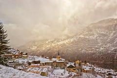 Французский высокогорный взгляд зимы деревни Стоковое Фото