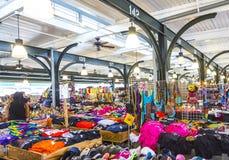 Французский рынок на улице Decatur в Новом Орлеане Стоковое Фото