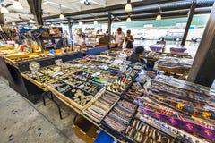 Французский рынок на улице Decatur в Новом Орлеане Стоковое Изображение RF