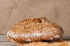 Французский хлеб и 2 багета на предпосылке ткани Стоковая Фотография RF