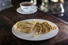 Французский хлеб испечет на плите Стоковые Фотографии RF