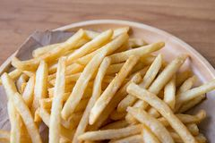 Француз свежих картошек вкусный жарит с пищевым продуктом фаст-фуда кетчуп Стоковые Фотографии RF