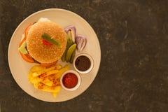 франчуз жарит гамбургер Стоковые Изображения RF