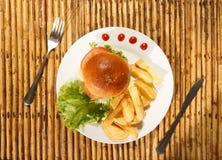 франчуз жарит гамбургер Стоковое Фото