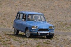 франчуз клиппирования автомобиля классицистический включая изолированную белизну путя Стоковые Изображения