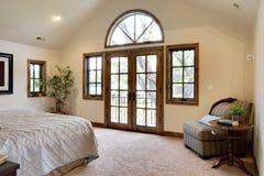 франчуз двери спальни балкона Стоковая Фотография RF