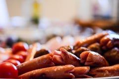 Фрикадельки сосиски o на плите Стоковое Фото