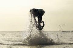 Фристайл лыжи двигателя Стоковая Фотография
