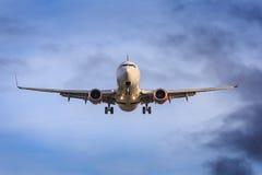 Фронт авиалайнера стоковые фотографии rf