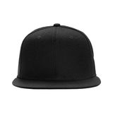 Фронт бейсбольной кепки черный, на изолированной белой предпосылке Стоковые Изображения