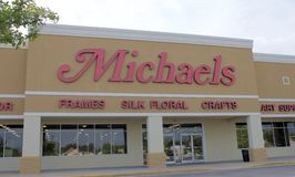 Фронт магазина склада искусств и ремесел Michaels стоковая фотография