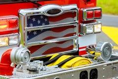 Фронт пожарной машины на пожарном депо стоковая фотография