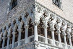 Фронт старой тюрьмы в Венеции Стоковая Фотография