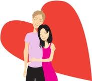 Фронт счастливых пар обнимая и стоя сердца Стоковые Фото
