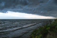 Фронт шторма над водой Стоковые Изображения
