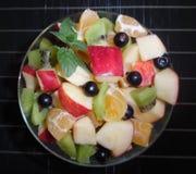 Фруктовый салат изолированный на белой предпосылке Стоковое Изображение