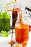 Фруктовый сок фруктов и овощей в бутылке Стоковое Фото