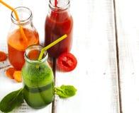 Фруктовый сок фруктов и овощей в бутылке Стоковая Фотография