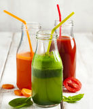 Фруктовый сок фруктов и овощей в бутылке Стоковая Фотография RF