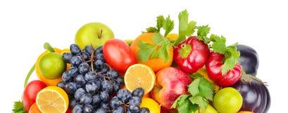 Фрукты и овощи изолированные на белой предпосылке Широкое фото стоковые изображения rf
