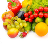 Фрукты и овощи изолированные на белизне Стоковое Фото