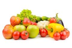 Фрукты и овощи изолированные на белизне стоковая фотография