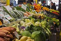 Фрукты и овощи на рынках Стоковая Фотография RF