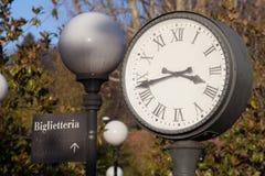 Фуникулярные часы Турина станции стоковая фотография