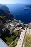 Фуникулер от Fira к старому порту Santorini, острова Кикладов Греция Стоковые Изображения RF