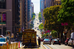 Фуникулер Сан-Франциско улицы Калифорнии гористый Стоковая Фотография RF