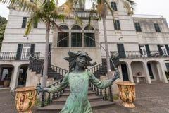 ФУНШАЛ, МАДЕЙРА - 14-ОЕ ИЮЛЯ 2015: Скульптура на саде Tropican дворца Monte 14-ого июля 2015 в Мадейре, Португалии Стоковые Изображения RF