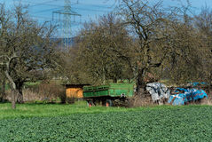 Фура фермы вдоль сельской дороги Стоковая Фотография