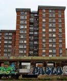 Фуры Colorfull и большие здания стоковое изображение rf