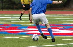 Футболист двигая движение Стоковые Фотографии RF