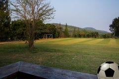 Футбольное поле в сельском Стоковые Изображения RF
