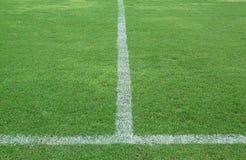 футбол зеленого цвета травы поля Стоковые Изображения RF