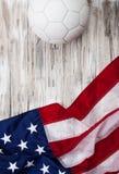 Футбол: Предпосылка флага США для международной конкуренции Стоковые Фотографии RF
