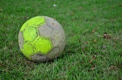 футбол шарика старый Стоковые Фото