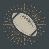 Футбол, ярлык шарика рэгби винтажный, рука нарисованный эскиз, grunge текстурировал ретро значок, печать футболки дизайна оформле иллюстрация штока